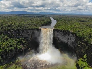 kaieteur-falls_20200515-161952_1
